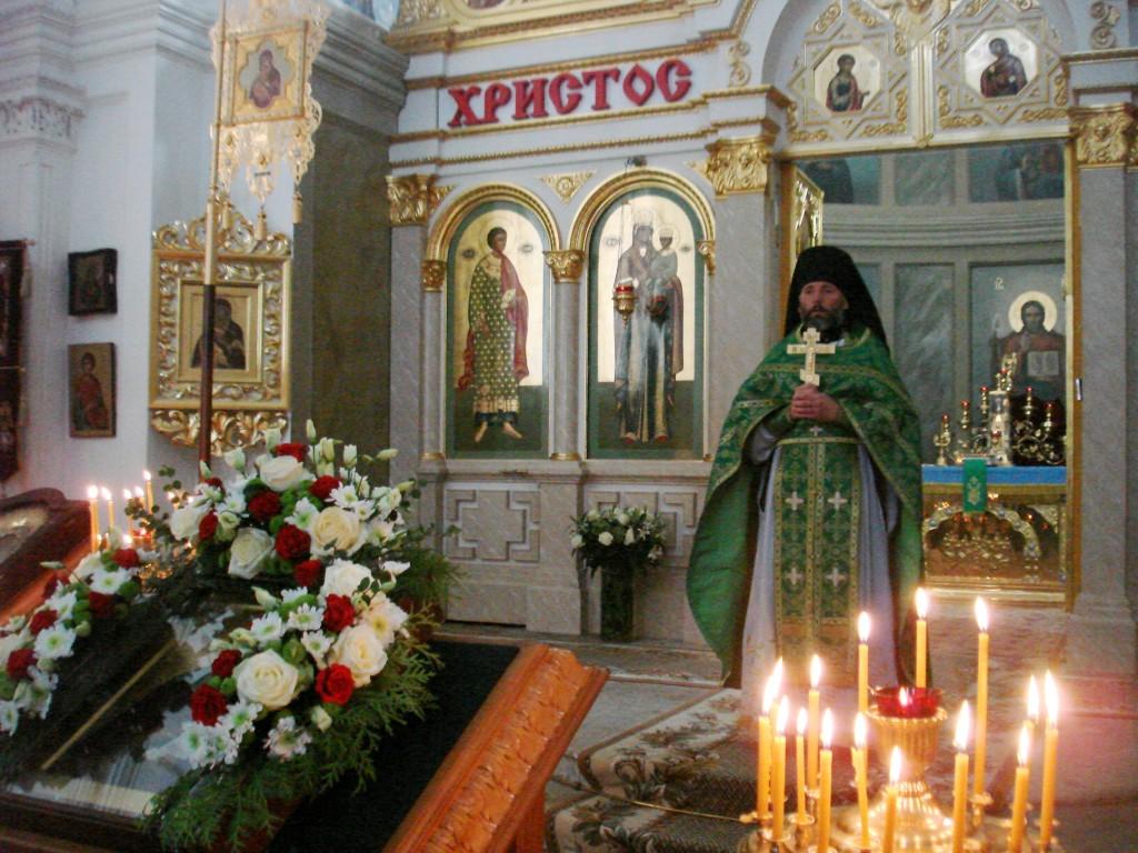 10.10.2015 Литургия в Спасо-Бородинском монастыре, день празднования прп. Рахили (2)